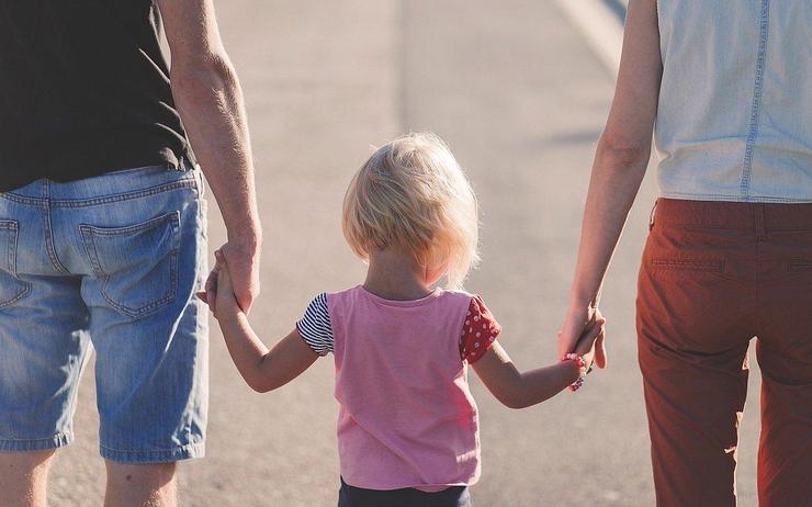 parents_children_pixabay